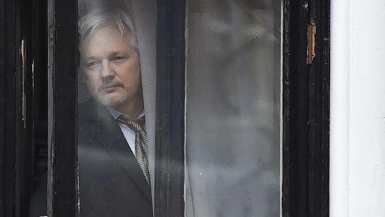 """اعتقال مؤسس موقع """"ويكيليكس"""" جوليان أسانج"""