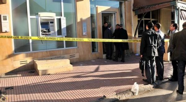 دائرة الاتهام تطال موظفة بوكالة بنكية تابعة لبريد بنك بمركز جماعة تمريكت لاشتراكها في عملية السرقة.