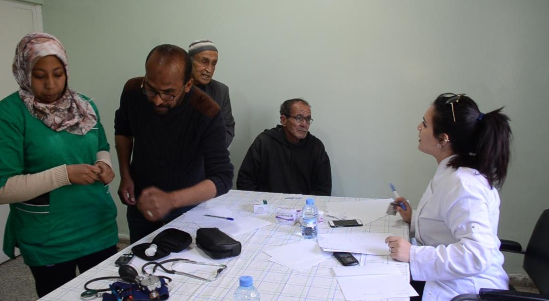2000 مستفيد من قافلة طبية متعددة الإختصاصات بإبن أحمد (فيديو)
