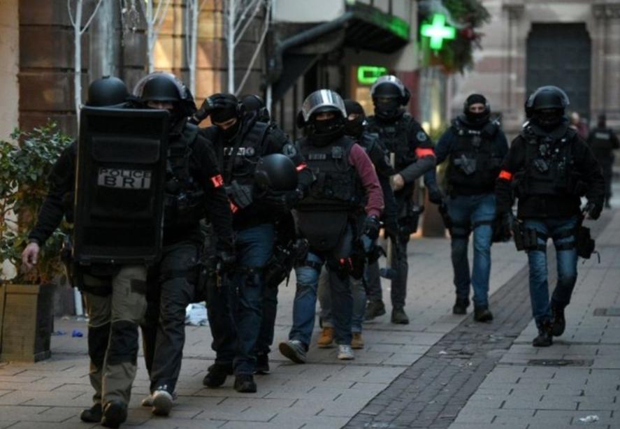 """فرنسا تنجو من """"هجوم إرهابي كبير"""".. واعتقال متورطين"""