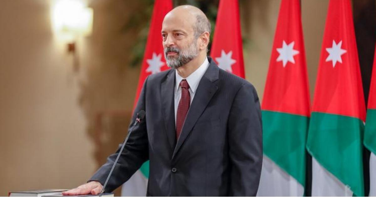 """وزراء الحكومة الأردنية يقدمون استقالاتهم إلى """"عمر الرزاز"""""""