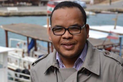 السلطات الجزائرية تعتقل صحفي مغربي