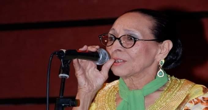 الحاجة الحمداوية غاضبة من تواصل الترويج لإشاعات وفاتها