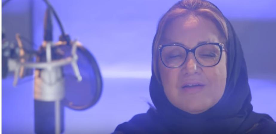 """بعد اعتزالها  34 سنة ..عزيزة جلال تغني رائعتها """"مستنياك"""".. فيديو"""