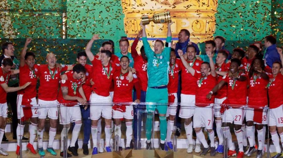 بايرن ميونخ يهزم لايبزيغ 3-0 ليفوز بكأس ألمانيا ويحقق الثنائية