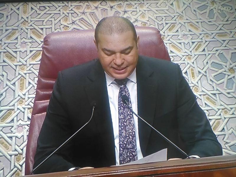 """محمد أوزين """"الوزير السابق"""" يزرع الشعر"""