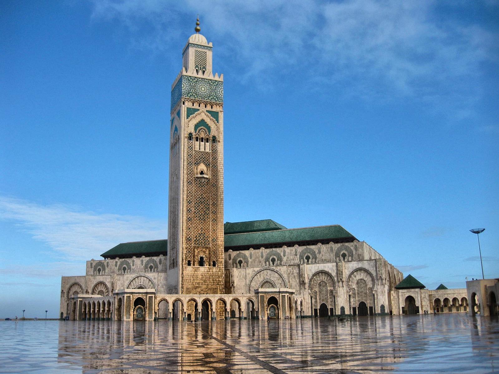 مساجد إسلامية بأشكال معمارية متفردة مسجد الحسن الثاني بالدار البيضاء أنمودجا