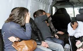 شرطة مكناس تعتقل شابة وزوجها بتهمة حيازة وترويج المخدرات