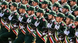 نيوزويك: هذه الخيارات العسكرية التي تدرسها أمريكا لمواجهة إيران