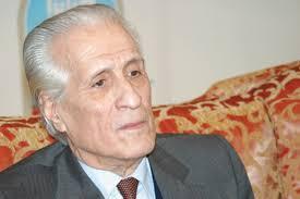 وزير خارجية الجزائر الأسبق يوافق مبدئيا على قيادة المرحلة الانتقالية بعد مناشدات رفعها متظاهرون ويشيد بدور الجيش