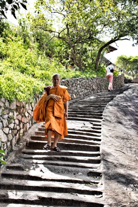 Dambulla Cave Temple - der Weg hoch