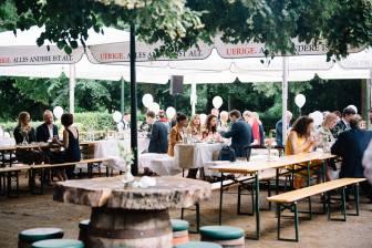 Dank gutem Wetter konnte das Essen im Biergarten vom Kurhaus in Düsseldorf stattfinden