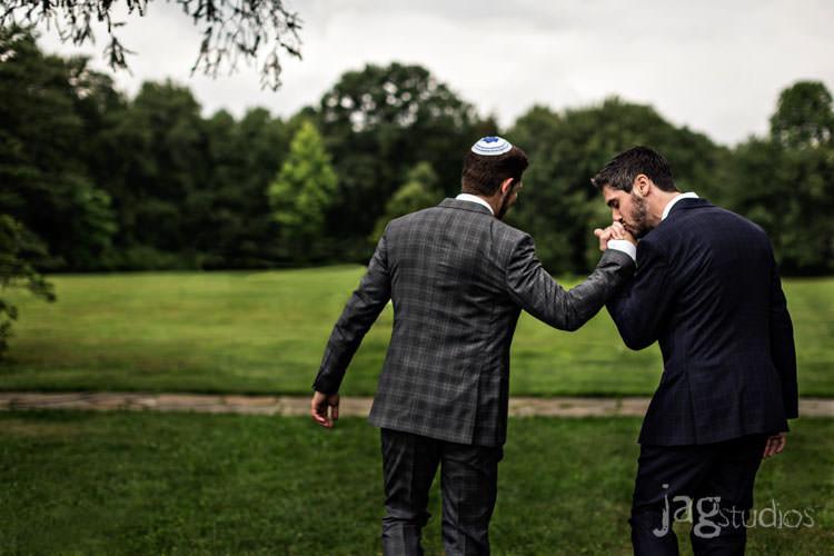 charming luxury-winvian-samesex-barn-wedding-summer-jewish-jagstudios-photography-036
