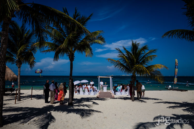 destination-mexico-wedding-jagstudios-photography-excellence-resort-brittany-josh-011