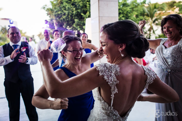 destination-mexico-wedding-jagstudios-photography-excellence-resort-brittany-josh-024