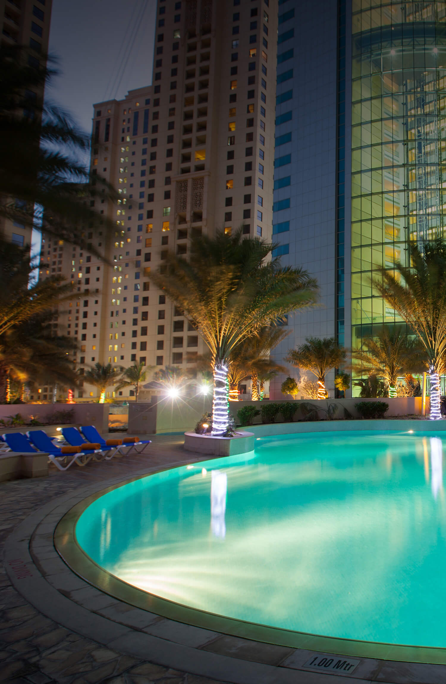 Dubai Oasis Beach Tower Hotel