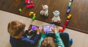Un robot qui apprend aux enfants le codage simplement