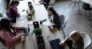 femmes-tech-travail-bureau