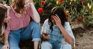 tiktok-jeunes-smartphone
