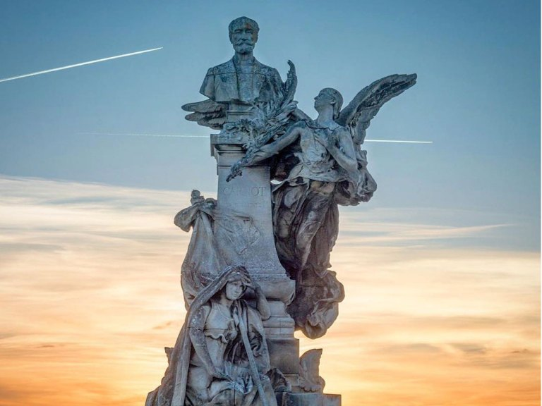 Statue Sadi Carnot par Raoul Verlet place New-York à Angoulême