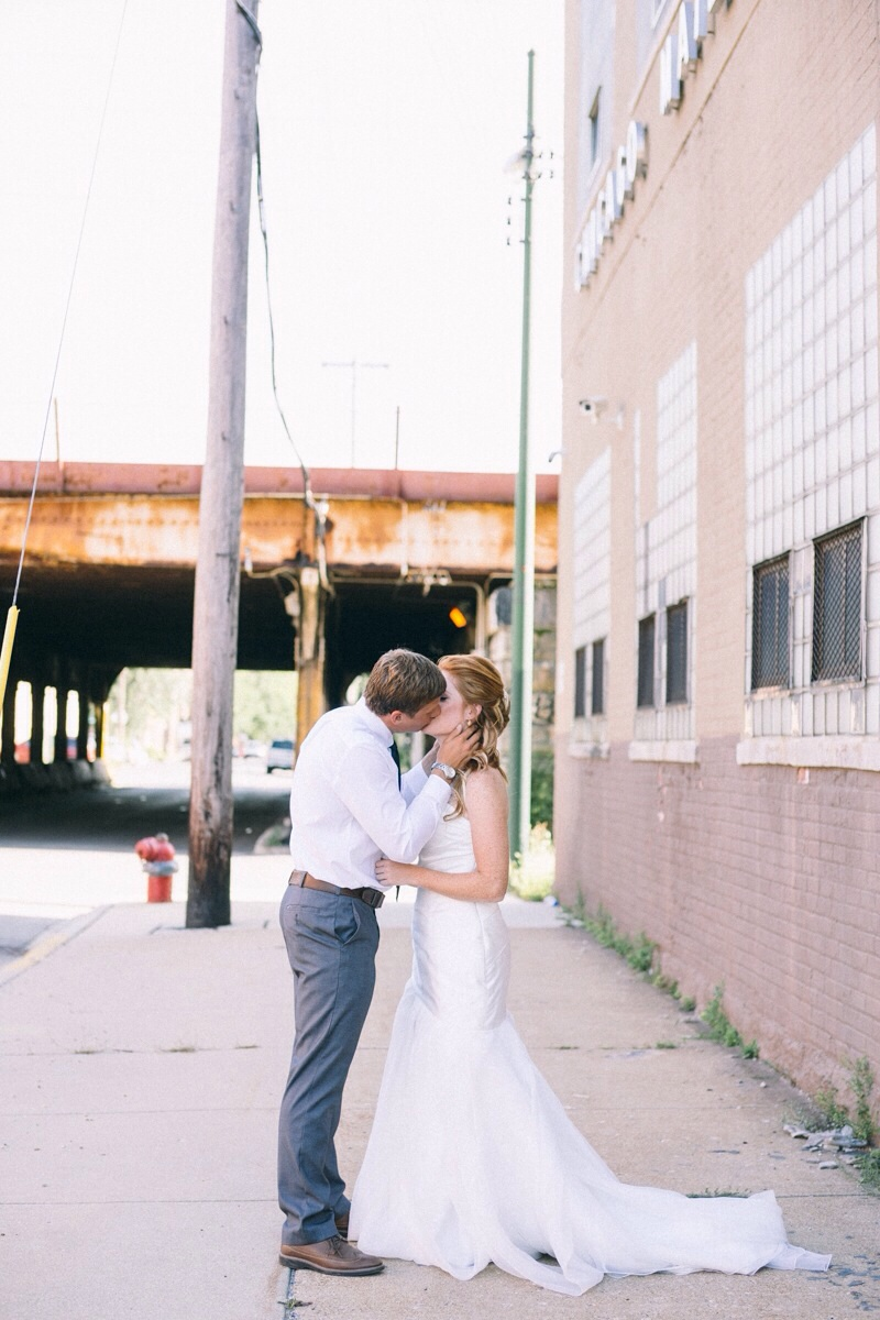 Chicago urban wedding pictures