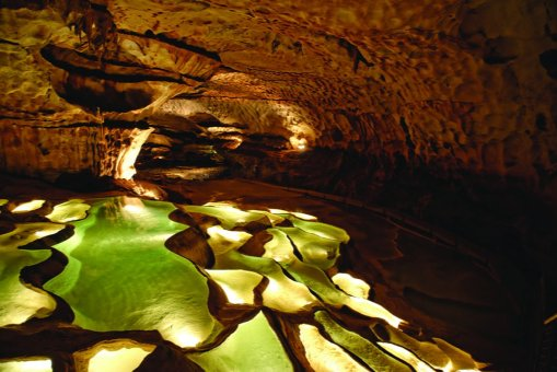 grotte de Saint-Marcel