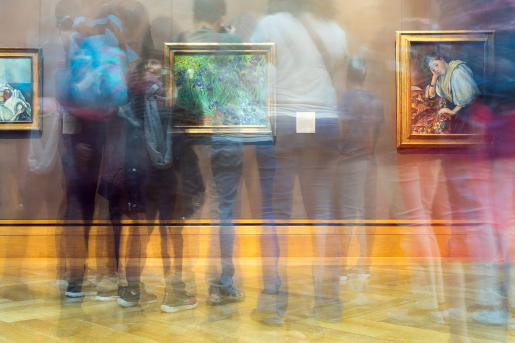 real art gallery photo
