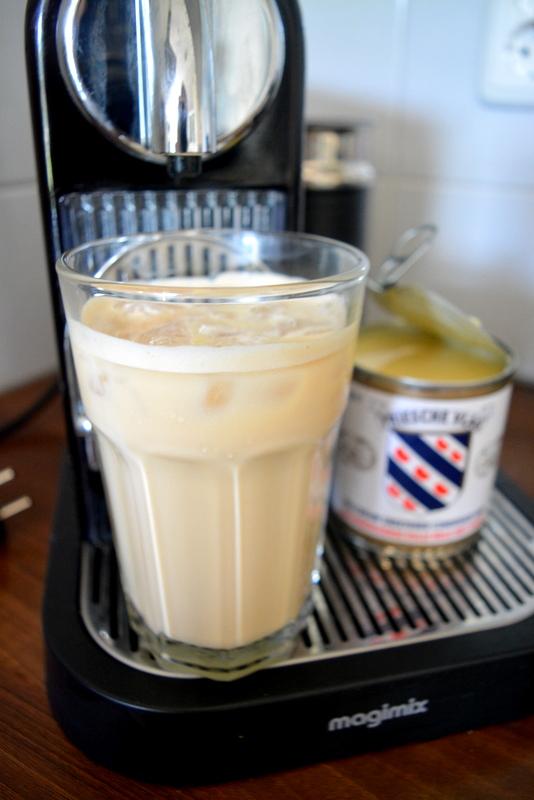 Icecoffee met gecondenseerde melk