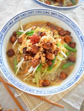 Vegan noedel soep met krokante tofu www.jaimyskitchen.nl