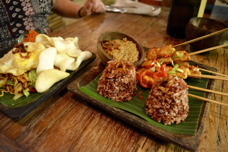 Sate Atman Cafe Bali Ubud Hotspot
