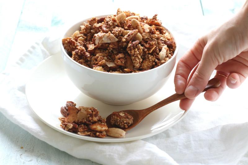 Zelfgemaakte granola met noten www.jaimyskitchen.nl