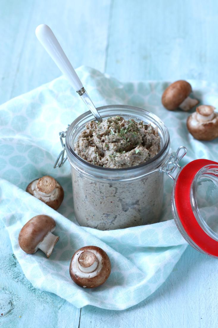 Vegetarische pate van paddenstoelen en walnoten www.jaimyskitchen.nl