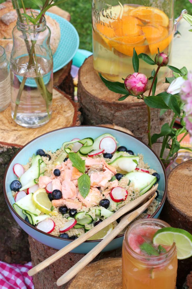 couscous salade met blauwe bessen en zalm www.jaimyskitchen.nl