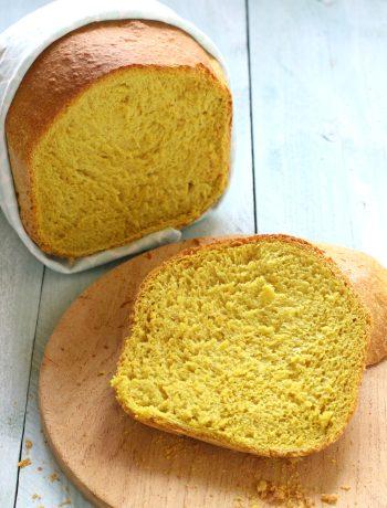 Kurkuma en kerrie brood zelfgemaakt www.jaimyskitchen.nl
