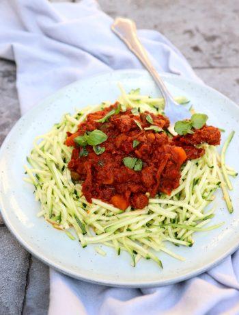 Recept courgetti met vegan bolognese saus www.jaimyskitchen.nl