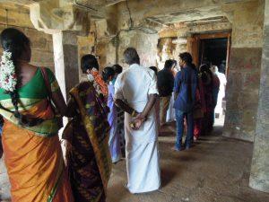 Queue pour voir le temple à Gangaikondacholapuram