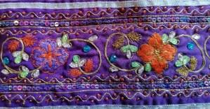 Galon violet ancien broderie indienne