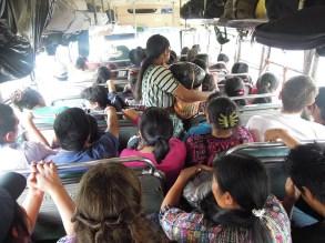 Chicken Bus - Guatemala - Vers San Juan 3