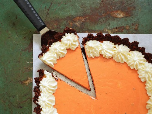 No Bake Chocolate Crust Thai Tea Cheesecake