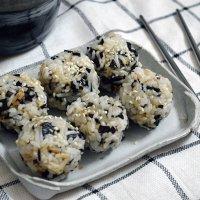 Seaweed Rice Balls