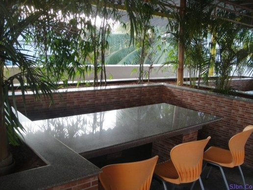 Seating area at the brand new Flipkart cafeteria!