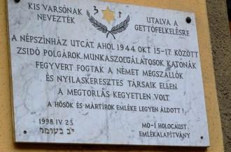 Commemorative plaque to 'Kis Varsó' (Little Warsaw), 46 Népszínház Street