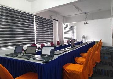 event rental laptop untuk rapat di perusahaan swasta kota kendal