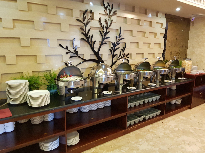 Id Restaurant Travellers Hotel Phinisi Makassar Nibble