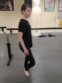 ballet-pole-turnout