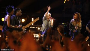 Kimberly Nichole Rob Taylor India Carney Christina Aguilera perform