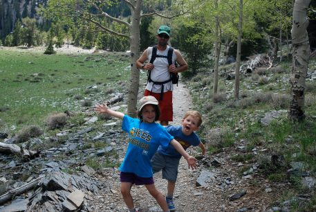 DSC_0939 blog fun with kids hiking tips hiking with kids Nature tips for parents