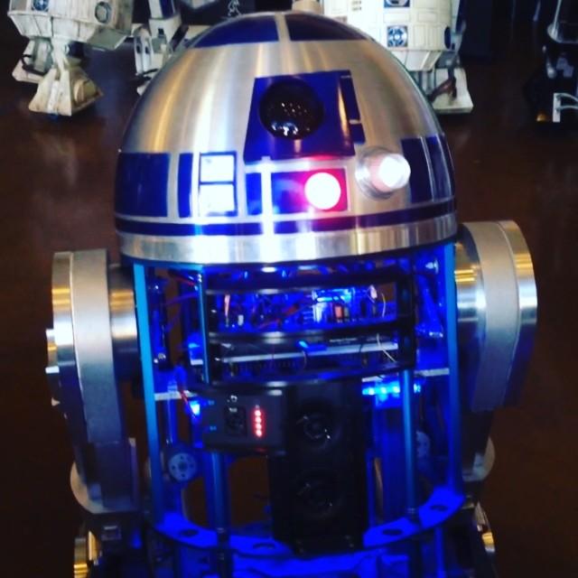 R2-D2! #starwars #makerfaire