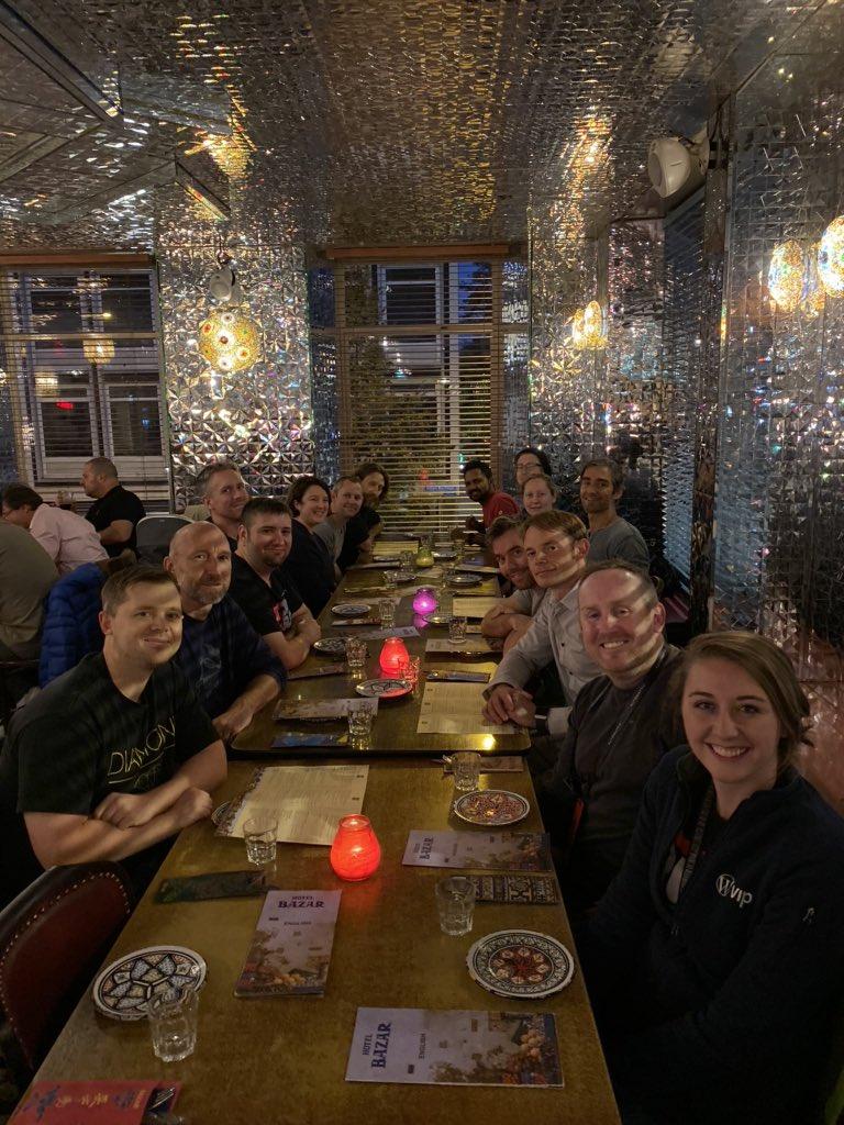 Team dinner! https://t.co/DRScIFIcjh