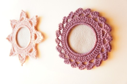 Crochet Picture Frame Pattern by JaKiGu